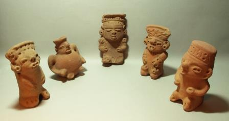 Honduran Page Figures Excavated by Moyne 1936